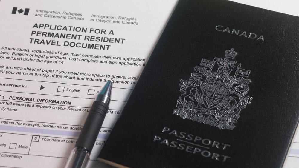 كيف أحصل على الإقامة الدائمة الكندية ؟